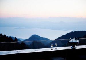 絶景山床カフェで開かれる〈夏の発酵サロン〉とは…!? 星野リゾート・ロ …